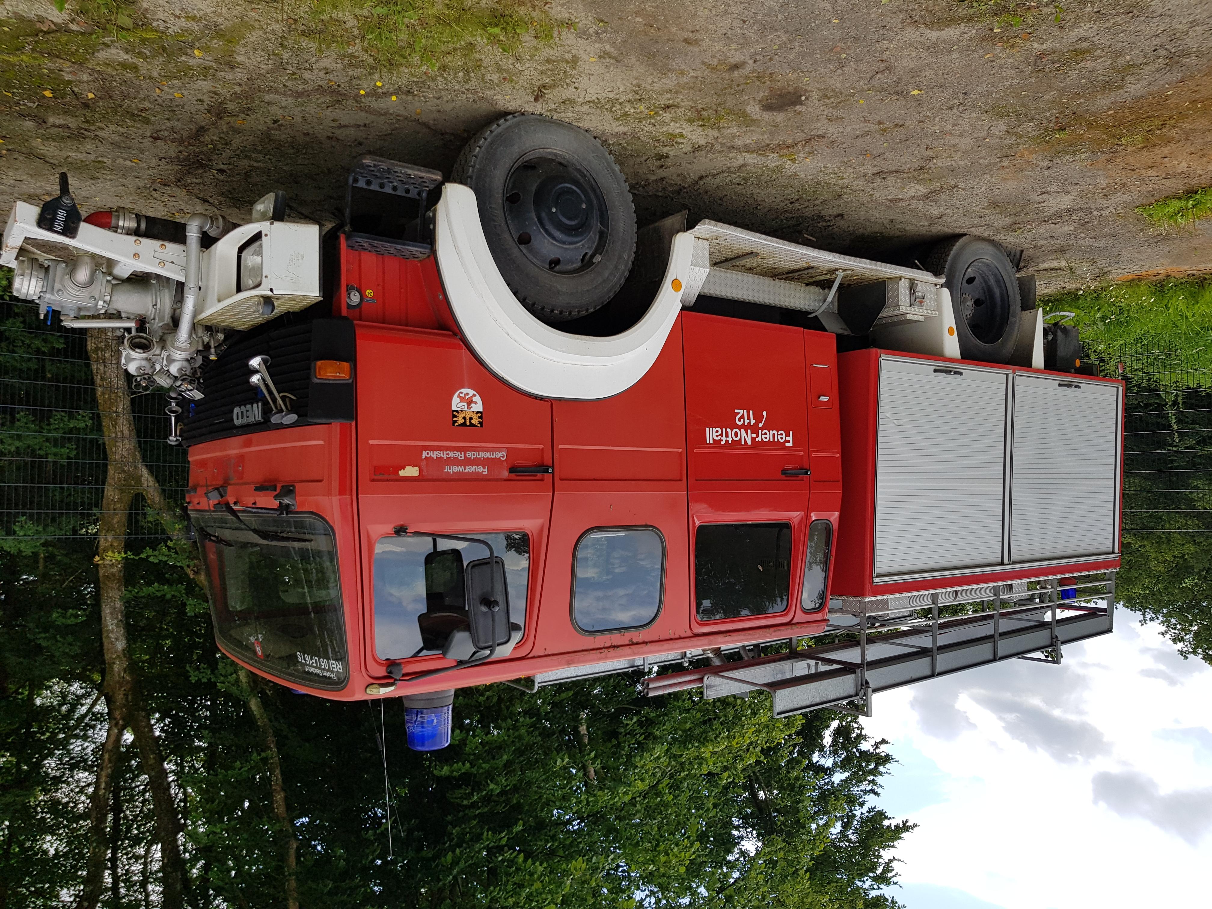 ehem. Feuerwehrfahrzeug (Außenansicht)