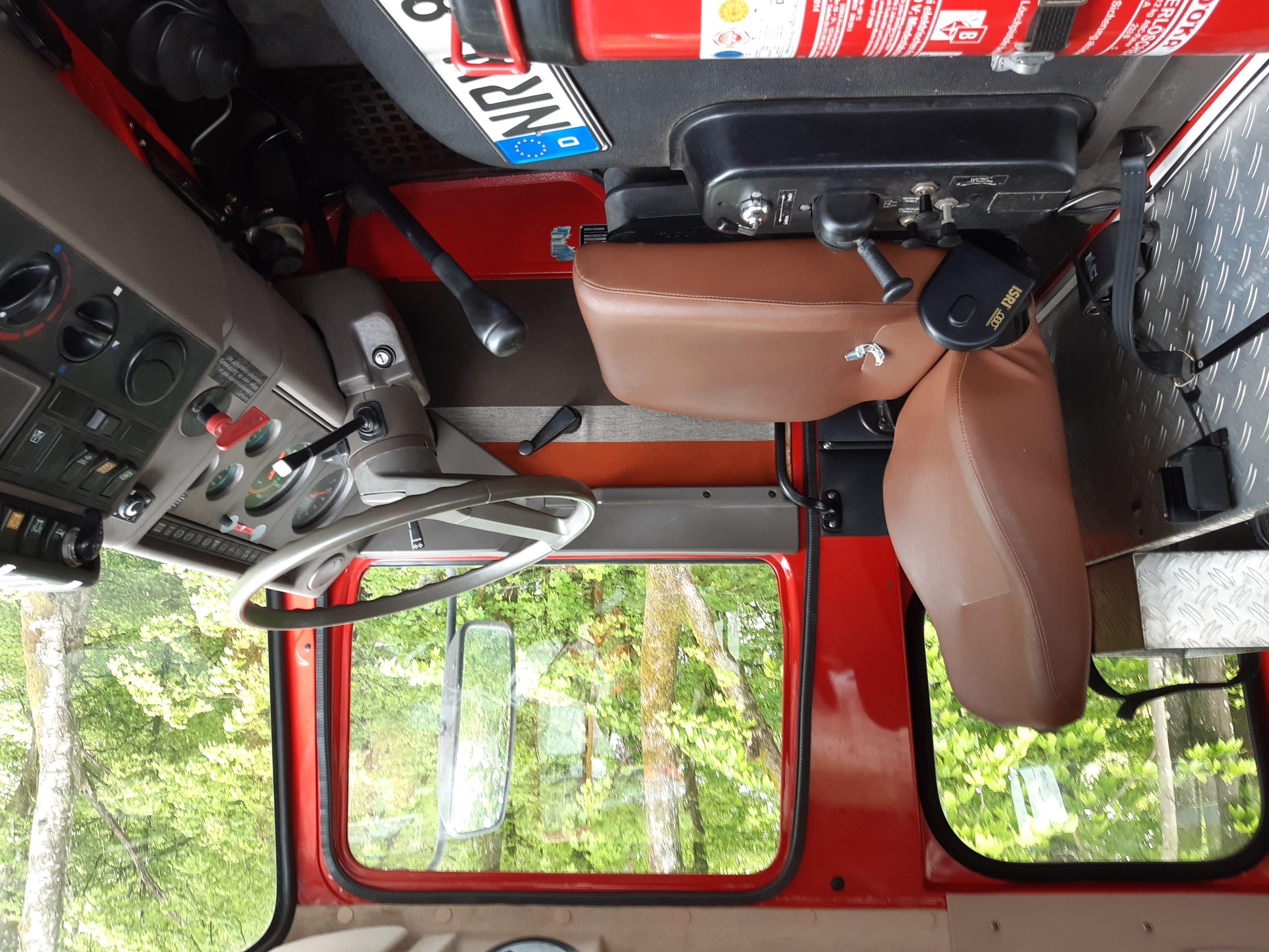 ehem. Feuerwehrfahrzeug (Innenansicht)
