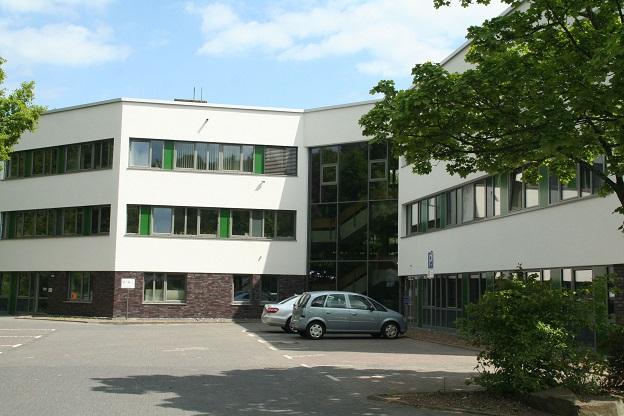 Das Bild zeigt das Rathaus Denklingen