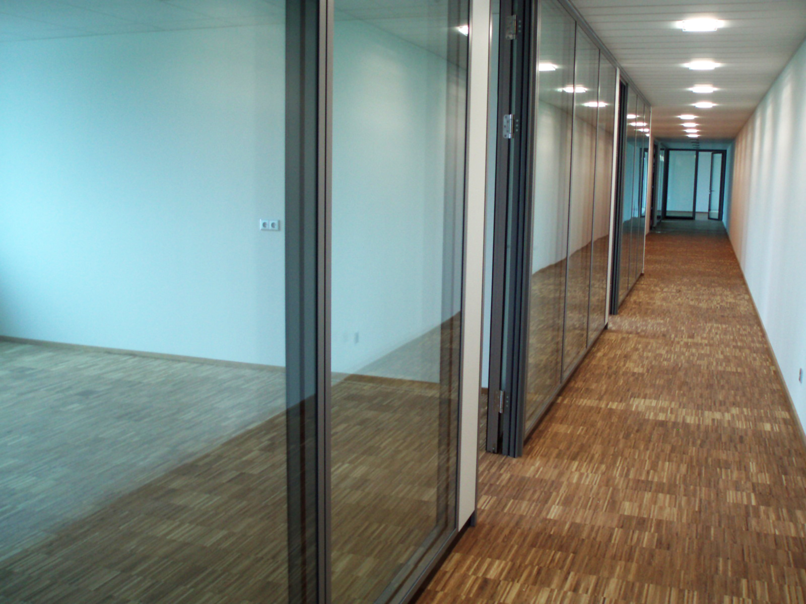 Dieses Bild zeigt den Flur zu den Büroräumen der Firma Münker