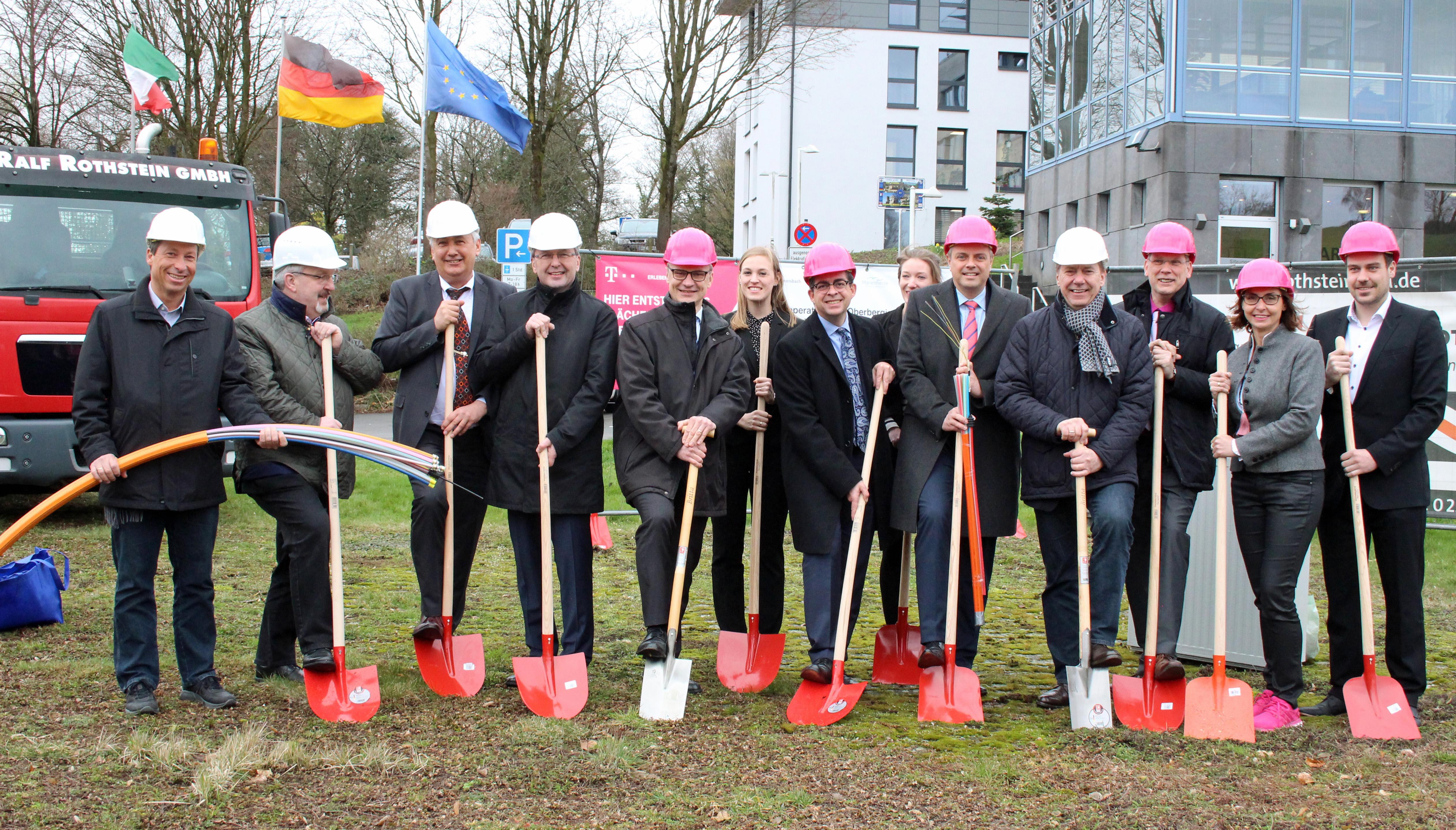 Der Start für ein flächendeckendes Breitbandnetz im Oberbergischen Kreis ist erfolgt (Foto:OBK)